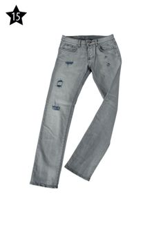 "US FASHION STORE - Pantaloni ""Gas"" in denim grigio delavato e strappato, con inserti blu scuro."