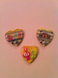 3 Small music resin cabochons/pins
