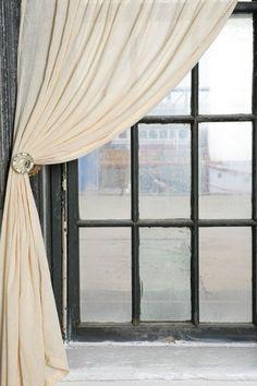 idées de bricolage créatif: embrasse à rideaux AVEC ANCIEN BOUTONS DE PORTE OU POIGNEES