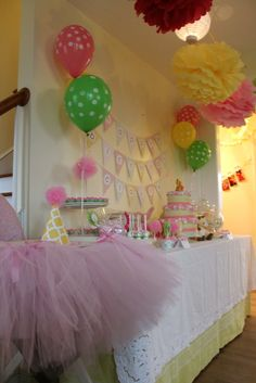 1st sweet safari Birthday Party Ideas | Photo 1 of 19 | Catch My Party