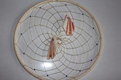Muschel Traumfänger in weiß- das Geschenk von TRAUMnetz.com     ** DReamcatcher u.v.m.  ** auf DaWanda.com