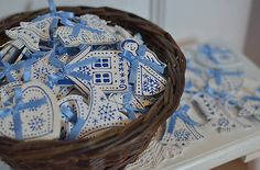 bubatko / Modré drevené ozdôbky