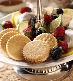 Spring Recipe: Moravian Cookie Sandwiches in Butter Cream, Key Lime Pie and Lemon Cream Drop