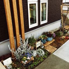 Pin on ガーデニング Condo Decorating, Cute House, House Rooms, Ladder Decor, Home And Garden, Exterior, Landscape, Green, Flowers