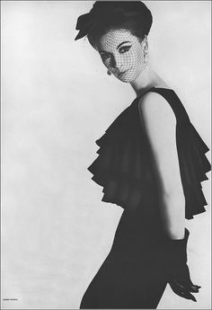 Wilhelmina in cross-ruffled black silk dress with lifted waist by Bill Blass for Maurice Rentner bowed veil by Emme photo by Karen Radkai Vogue March 1 1962 1969 Fashion, 1960s Dresses, Vintage Outfits, Vintage Fashion, Black Silk Dress, Wilhelmina Models, Bill Blass, New York Style, Veil