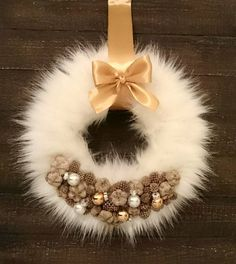 1 million+ Stunning Free Images to Use Anywhere Christmas Ornament Wreath, Christmas Door Wreaths, Christmas Decorations, White Christmas Trees, All Things Christmas, Christmas Holidays, Diy Wreath, Flower Decorations, Christmas Crafts
