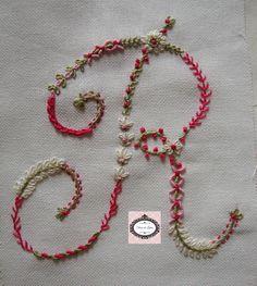 http://trocasdelinhas.blogspot.com.br/2013/07/sal-alfabeto-bordado-em-pontos-livres.html