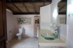 Ganhe uma noite no Gorgeous 3+3+pool, prime Seminyak - Vilas para Alugar em Kuta no Airbnb!