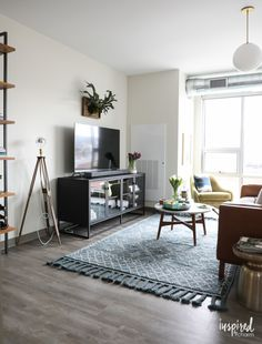 Looking to update your space for the spring? Check out these unique, creative, and colorful spring decorating ideas for your living room and beyond! Diy Living Room Decor, Rooms Home Decor, Living Room Grey, Diy Home Decor, Bedroom Decor, Colourful Living Room, Decorating Your Home, Decorating Tips, Living Room Inspiration