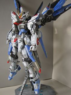 MG 1/100 ZGMF-X20A / X Strike Freedom Custom Build - Gundam Kits Collection News and Reviews