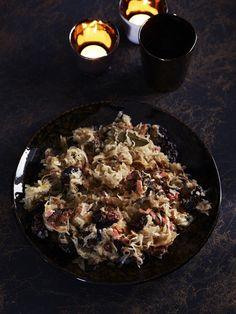 Gestoofde zuurkool met pruimen en steranijs - Foodies