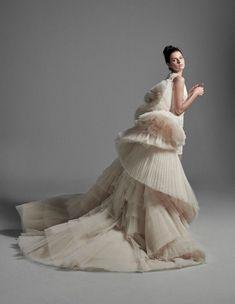 Krikor Jabotian, Saiid Kobeisy, Bridal Gowns, Wedding Dresses, Dance Choreography Videos, Fashion Details, Fashion Design, Haute Couture Fashion, Trending Topics