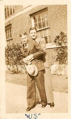 www.ditokadum.com : gay portraits for gay people - Adorable Vintage Photographs of Gay Couples