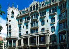 La #CasaFuster fue el último edificio de Lluís Domènech i Montaner. Es uno de los #hoteles más lujosos de #Barcelona, representa el #modernismo más rico y es de una belleza excepcional. http://www.viajarabarcelona.org/lugares-para-visitar-en-barcelona/casa-fuster/ #Catalunya