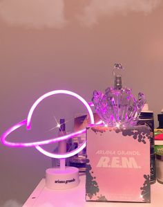 UltaBeauty ofer you the rem planet gift w the parfume! Beauty Care, Beauty Skin, Ari Perfume, Ariana Merch, Ariana Grande Fragrance, Perfume Display, Ariana Grande Fotos, Foto Baby, Perfume Collection