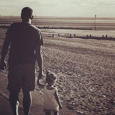 Bonjour readers and thanks again for joining us for another great week of Daddy Tag Challenges. This time again, we had a great selection of posts and it was quite difficult to choose a daddy! Aujo…
