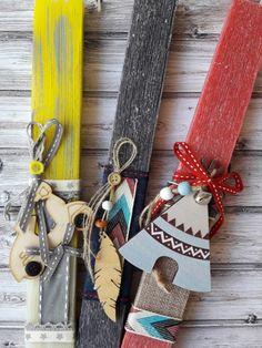 Χειροποίητες Πασχαλινές λαμπάδες για αγόρια σε διάφορα σχέδια, σχήματα και χρώματα. Greek, Gift Wrapping, Easter, Candles, Gifts, Gift Wrapping Paper, Presents, Wrapping Gifts, Easter Activities