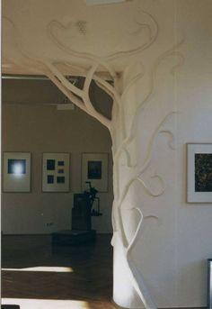 Cob sculpture by architect Udo Heimermann