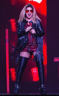Shania Twain Debuts Blond Hair, Wears Sexy Thigh-High Boots on Stage as She Kicks Off Final Tour