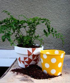 Como decorar macetas de plastico