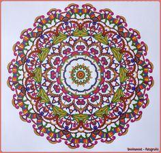 Mandala Uit Het Enige En Echte Kleurboek Gekleurd Met Glitterpennen Van De Big Bazaar
