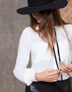 Camisa com bolsos - CAMISAS - MULHER | Stradivarius Portugal