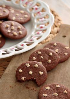 Les Pan di stelle sont des biscuits au chocolat, commercialisés depuis des années par la marque italienne Mulino Bianco. Découvrez, ci-dessous, la recette