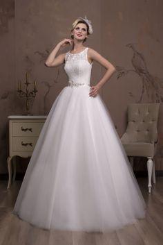 Nádherné svadobné šaty na predaj s čipkovaným korzetom a tylovou sukňou bab1717708f