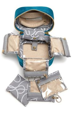 Love this travel jewelry case!  It folds out so you can see everything!  http://rstyle.me/n/dn6g6nyg6