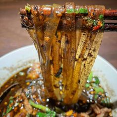 """ไทยไทย Thai Thai Boat Noodles's Instagram post: """"เด็กเส้น 🚣🏻🍜🤤🌶🔥 #thaithaiboatnoodles #ที่สุดของก๋วยเตี๋ยวเรือ"""""""