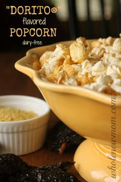 Like DORITOS® but don't like the chemical ICK? Make this Dorito Popcorn Recipe - Like eating Doritos, but without the chemicals! You could put the seasoning on chips too for DIY DORITOS®! Real Food Recipes, Vegan Recipes, Snack Recipes, Cooking Recipes, Yummy Food, Juice Recipes, Tasty, Flavored Popcorn, Gourmet Popcorn