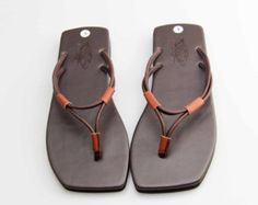 Ancient Greek Roma Sandals Genuine Leather Chamois Leather Shoes Flip Flops Slippers Vintage Women H - Studded Sandals, Leather Sandals, Shoes Sandals, Dress Shoes, Leather Slippers, Mens Slippers, Flip Flop Slippers, Womens Summer Shoes, Lookbook