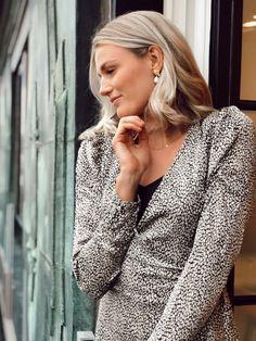 Brandy Stone Dress deguy.no Buttons, Stone, Dresses, Women, Fashion, Vestidos, Moda, Rock, Fashion Styles