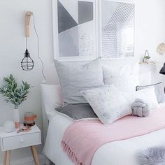 The gorgeous bedroom of @harluxe
