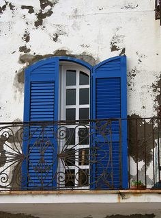 Colorful shutters - Ischia