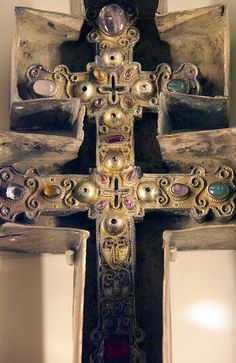 Cross-reliquary of the True Cross and its case - detail - France 13c-early 14c.