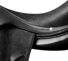 Hermès Corlandus Saddle -the saddle is dedicated to high-level dressage riding. The specific shape of its tree and ergonomic blocks allow optimal vertical leg positioning, and very close contact with the horse.