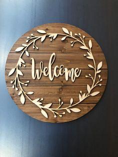 home accents ideas Wood Circle Welcome Sign, Farmhouse Decor, House Warming Gift Idea, Decorative Welcome Sign, Wooden Wooden Gifts, Wooden Decor, Wooden Diy, Front Door Decor, Entryway Decor, Diy Signs, Wood Signs, Wooden Welcome Signs, Wood Name Sign