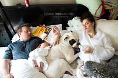 Hilarious Family Portraits Capture the Chaos of Being a Parent - My Modern Met