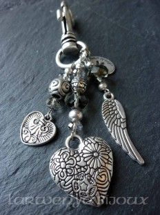 Best diy jewelry charms key chains Ideas - N/A - Diy Jewelry Charms, Diy Jewelry Rings, Diy Jewelry Making, Charm Jewelry, Beaded Jewelry, Jewelery, Beaded Necklace, Beaded Bracelets, Diy Purse Charms