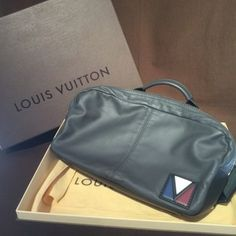 ルイ・ヴィトン【LOUIS VUITTON】 ファスト・ショルダーバッグ M50445/Vライン