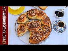 Τα σταφιδόψωμα της ευκολίας (VIDEO) - cretangastronomy.gr Bagel, Sweets, Cooking, Breakfast, Recipes, Youtube, Kitchen, Morning Coffee, Gummi Candy