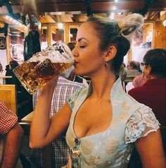 German Women, German Girls, Beer Maid, Festivals, Beer Girl, Free Beer, Cute Japanese Girl, Beauty Around The World, German Beer