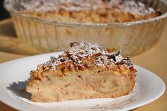 Budinca de gutui cu paine | Retete culinare cu Laura Sava Banana Bread, French Toast, Breakfast, Desserts, Food, Mai, Crafts, Sweet Treats, Fine Dining
