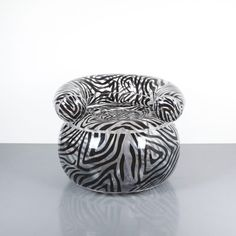 Alexis Lahellec. Blow chair by Alexis Lahellec, Paris, 1996. Nice zebra pattern chair, fully comprised of PVC. Good condition.