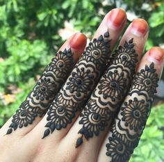Browse the latest Mehndi Designs Ideas and images for brides online on HappyShappy! We have huge collection of Mehandi Designs for hands and legs, find and save your favorite Mehendi Design images. Mehandi Designs, Finger Mehendi Designs, Stylish Mehndi Designs, Henna Designs Easy, Mehndi Designs For Fingers, Beautiful Henna Designs, Henna Tattoo Designs, Bridal Mehndi Designs, Bridal Henna