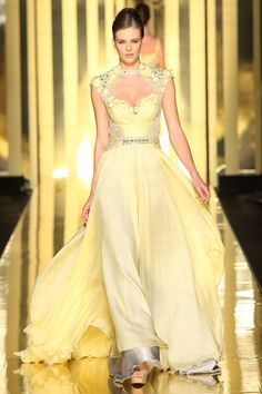 This but Green and Gold for Sei Mireille Dagher 2013 haute couture. I feel like I could get with it except for the silver ruffle at the bottom. Beautiful Gowns, Beautiful Outfits, Traje A Rigor, Evening Dresses, Prom Dresses, Dresses 2013, Dress Prom, Formal Dress, Party Dress