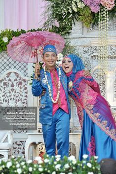Foto Gaun Pengantin Muslim Muslimah Modern Biru+Pink | Vita+Fahmi Wedding Photo by Poetrafoto Photography, http://wedding.poetrafoto.com/foto-pengantin-dg-gaun-muslim-muslimah-modern-biru-pink_486