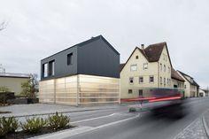Cool translucent building material. Fabian Evers Architecture, Wezel Architektur — House Unimog