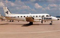 Ryanair - Embraer em usado entre 1985 e 1989 Atr 42, Gatwick Airport, Aircraft, History, Vehicles, Airplanes, Aviation, Historia, Planes